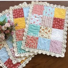 Patchwork quilt knitted fabrics Best Ideas Patchwork quilt knitted fabrics Best Ideas The Effective Pictures We Offer You About Crochet flowers A quality. Patchwork Patterns, Patchwork Quilting, Quilt Patterns, Crochet Patterns, Patchwork Ideas, Mini Quilts, Baby Quilts, Quilting Projects, Sewing Projects