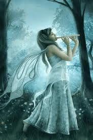 fadinha tocando flauta
