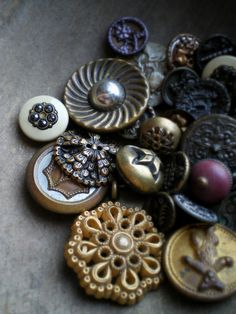 beautiful vintage buttons ... such detail