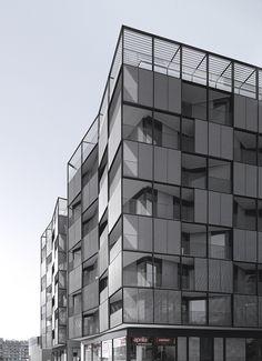 Plaça Lesseps building OAB – Ferrater & Asociados. Designers Lucia Ferrater, Xavier Martí Galí. Photo by Aleix Bagué. Barcelona (Catalonia)
