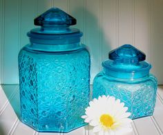 Blue Glass Canisters Set of 2 - Vintage L. E. Smith - Daisy and Button Pattern