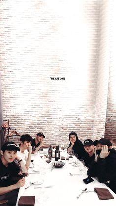 Baekhyun Chanyeol, Exo For Life, Luhan And Kris, Kai, Exo Album, Exo Lockscreen, Kim Minseok, Exo Fan, Exo Ot12