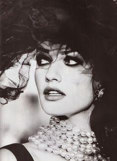 Karen Mulder by Max Vadukul for Vogue Paris March 1992