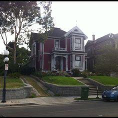 Inizia il tour di Screenweek ad Hollywood. Iniziamo con la casa dove hanno girato la serie tv Streghe! Non è a San Francisco ma a L.A. #comicconsw