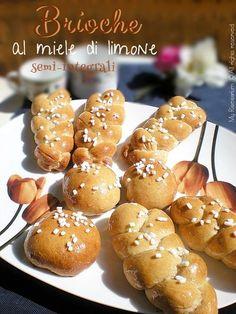 """Un dolce risveglio con queste deliziose brioches dal blog """"My Ricettarium""""#MielBio #NocciolataRdA"""