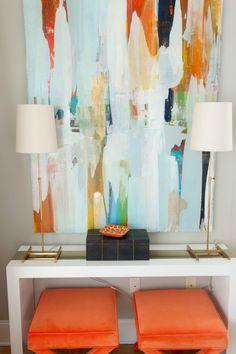 Если добавить оранжевый в виде отдельных элементов, можно добиться прекрасного результата, придав комнате жизнерадостное настроение, уют и теплоту.