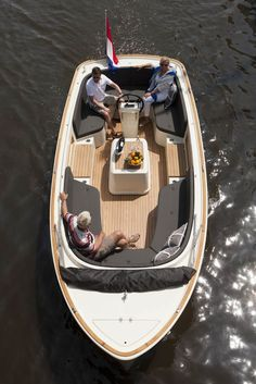 Boat Plans - Antaris sloep www. - Master Boat Builder with 31 Years of Experience Finally Releases Archive Of 518 Illustrated, Step-By-Step Boat Plans Yacht Boat, Boat Dock, Jon Boat, Sailing Boat, Cool Boats, Small Boats, Yacht Design, Boat Design, Speed Boats