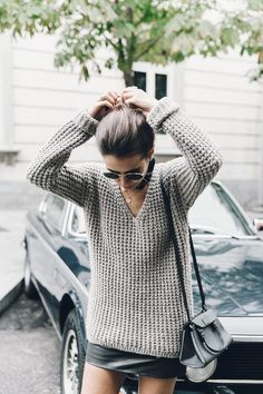 Outfits and Looks, Ideas & Inspiration Slouchy sweater + miniskirt Printemps Street Style, Fall Inspiration, Casual Outfits, Fashion Outfits, Casual Clothes, Work Outfits, Looks Street Style, Autumn Winter Fashion, Fall Fashion