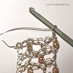 bracelet tut15 Crochet wire bracelet tutorial free