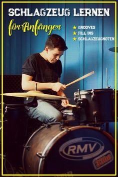 Du willst endlich Schlagzeug lernen und Deine ersten Grooves spielen? Natürlich möchtest Du auch richtig abrocken und Fill-Ins auf den Tom Toms & Becken ausprobieren? Dann bist Du hier genau richtig. Einfach auf den Pin klicken und die Übungen ausprobieren und Drummer werden!