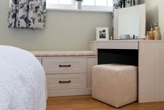 Our fitted bedrooms, kitchens & home office furniture perfectly fit into your home & lifestyle. At Hammonds we'll help you find the design that's right for you. Built In Dressing Table, Corner Dressing Table, Dressing Tables, Linen Baskets, Fitted Bedrooms, Tall Ceilings, Sash Windows, Seat Pads, Shaker Style