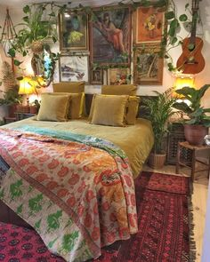 Gorgeous and Glorious Bohemian Bedroom for Young Women. Lovely Gorgeous and Glorious Bohemian Bedroom for Young Women. Home Decor Furniture Bedroom Decoration Glorious Gray Wing Design Room, House Design, Interior Design, Dream Rooms, Dream Bedroom, Bohemian Bedroom Design, Bohemian Bedrooms, Bedroom Designs, Hippie Bedroom Decor