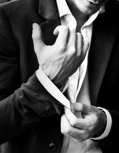 An intelligent man will open your mind. A handsome man will open your eyes. But a gentleman will open your heart. Hand Veins, Daddy Aesthetic, Gq Fashion, Fashion Menswear, Marceline, Mans World, Gentleman Style, True Gentleman, Modern Man