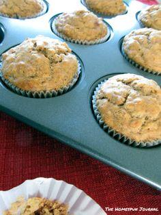 Clean Eating Banana Nut Muffins @TheHomespunJournal