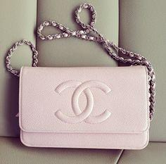 Ahhhhhhhhhhhhhhhhhhhhhhhhhh!!!! This is soooooooooooo cute!!!! Chanel.