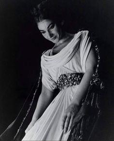 Maria Callas na ópera Norma. Paris, 1964/5.
