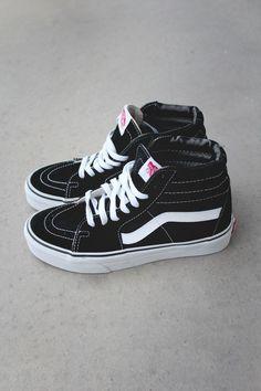 8dff38758d4 Sk8-Hi Top Sneaker