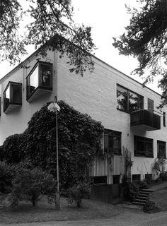 Southeast corner of building. Photo: Martti Kapanen, Alvar Aalto Museum.