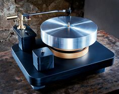 La Platine Verdier & Oswalds Mill Audio slate plinth. Might be a little more about tt than the music, but so cool.