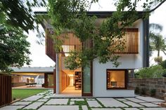 Hunters Hill House Built in Reference to the Clients' Italian and Sri Lankan Heritage