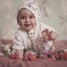 Ceremony look in vintage style♥️ MAISIE sweater and bloomers with matching bonnet POPPY✨ Vintage Style, Vintage Fashion, Christening, Poppy, That Look, Flower Girl Dresses, Van, Wedding Dresses, Sweaters