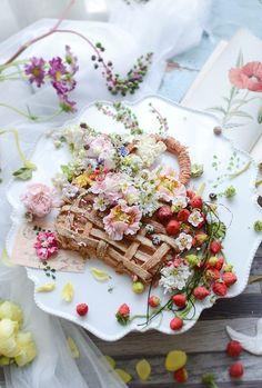 제이케이크 앙금플라워 연구 작업들 : 네이버 블로그 Buttercream Cake Decorating, Buttercream Flower Cake, Candy Drinks, Food Decoration, Cake Cookies, Cake Designs, Amazing Cakes, Kids Meals, Sweet Tooth