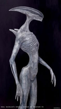 I know that Ridley felt that the alien form had done it's service, but with this translucent texture and different form, I really think this could have worked out well instead of the still human mid transition Fifeld. Oh, well....