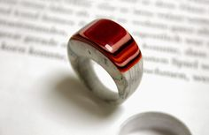 Paper ring from Literary Jewels by Jeremy May Make Paper Beads, Paper Bead Jewelry, Resin Jewelry, Diy Jewelry, Jewelry Rings, Jewelry Design, Recycled Jewelry, Wooden Jewelry, Construction Paper Art