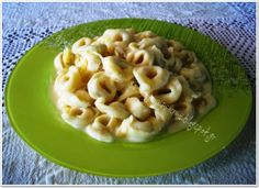 Tortellini a la creme Tortellini, Creme, Macaroni And Cheese, Ethnic Recipes, Food, Mac And Cheese, Meals, Yemek, Eten