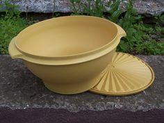 Vintage Tupperware Servalier Harvest Gold Large Bowl & Lid