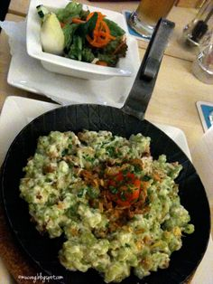 yummy cheese-spaetzle at #vegan restaurant Max Pett in munich @muc.veg