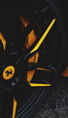 Black and yellow Ferrari wheels Porsche, Audi, Lamborghini Cars, Ferrari Car, Ferrari Fxxk, Maserati, Bugatti, Wallpaper Carros, Sports Car Wallpaper