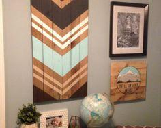 Signe dart moderne Chevron murale en bois par SamBeeDesigns sur Etsy