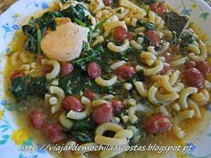 Viajar de Mochila às Costas: Sopa de feijão com espinafres, massa e ovo