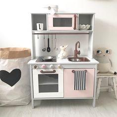 """361 To se mi líbí, 27 komentářů – Felicia (@_____felicia) na Instagramu: """"Viele von euch haben mich nach der Küche von Lou gefragt.. Sie hat die Küche mit 1 Jahr schon…"""""""