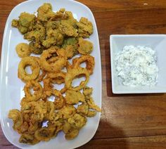 RESEP ONION RING CLASSIC - BROKOLI & JAMUR GORENG Onion Rings, Easy Cooking, Foods, Classic, Desserts, Food Food, Derby, Tailgate Desserts, Food Items