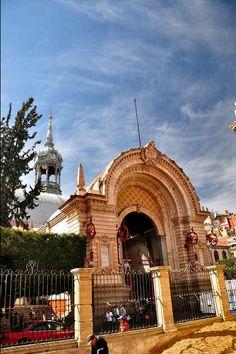 Guanajuato - Mexico, America do Norte Gustave Eiffel, Mexico Travel, Gto, Art And Architecture, Barcelona Cathedral, Taj Mahal, America, Adventure, Draw