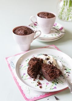 Grab your favorite mug and whip up these super quick and easy lip-smacking keto muffins with a robust chocolate taste. Keto Chocolate Muffin in a Mug,,, Chocolate Muffin In A Mug Recipe, Chocolate Mugs, Chocolate Muffins, Chocolate Desserts, 5 Minute Desserts, Desserts Keto, Dessert Recipes, Mug Recipes, Low Carb Recipes