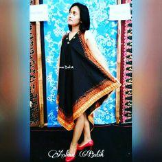 Dress Sogan Mangayu Bisa by request dengan lengan. Dress simple dengan model asimetris yg unik dan lembut melambai seiring langkah Anda. Terbuat dari kain batik sogan tulis dengan motif di pinggir...  Unik...cantik... Simple asimetris and flowy dress. Made from handwritten sogan batik. We can modify with sleeve also.   SMS/WA 082281115732, pin  2B2FE825, line: aalinabatik, IG @aalinabatik, LinkedIn: Aalina Batik, FB Aalina Batik, Path Aalina Batik, Pinterest Aalina Batik.