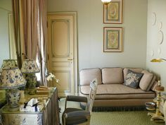 Henri Samuel: the Ladies Sitting Room in Susan Gutfreund's NYC apartment