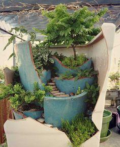25 maceteros rotos que puedes convertir en hermosos jardines de hadas | Upsocl
