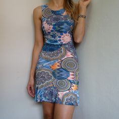 vestido-azul-coral-babado-recorte-costasc-omprar