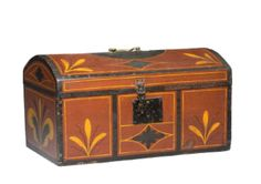 paint decorated dome top chest,Northeast Auctions Painted Trunk, Painted Chest, Painted Boxes, Wooden Trunks, Wooden Chest, Antique Paint, Antique Decor, Decorated Boxes, Art Watch