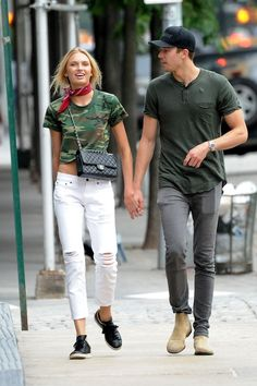 Model Romee Strijd and boyfriend Laurens van Leeuwen are seen out in Tribeca on July 2016 in New York, NY. Fashion Couple, Teen Fashion, Fashion Models, Couple Outfits, Casual Outfits, Celebrity Dresses, Celebrity Style, Rome Outfits, Le Closet