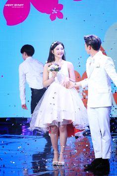 red velvet's joy and btob's sungjae on we got married Sungjae And Joy, Sungjae Btob, Wgm Couples, Kpop Couples, Korean Couple, Best Couple, Korean Wedding, We Get Married, Red Velvet Joy