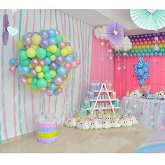 First Birthday Party Decor Ideas Rainbow Parties, Rainbow Birthday Party, Unicorn Birthday Parties, Baby Birthday, First Birthday Parties, Birthday Party Themes, Baby Shower Balloons, Baby Shower Themes, Balloon Decorations