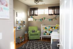 A modern woodland nursery theme featuring clean, sleek lines with muted neutrals and bold punches of color in furniture and accessories. Grey Room, Nursery Themes, Nursery Ideas, Project Nursery, Woodland Nursery, Wood Art, Quilt Blocks, Woodworking Projects, Kids Rugs
