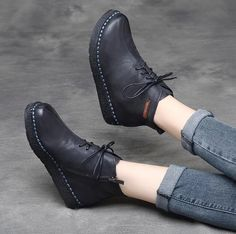 Vintage Leather Casual Zipper Lace Up Martin Boots Donia, Outfits Damen, Martin Boots, Mens Fashion Shoes, Dress Fashion, Fashion Women, 1930s Fashion, Fashion Vintage, Victorian Fashion