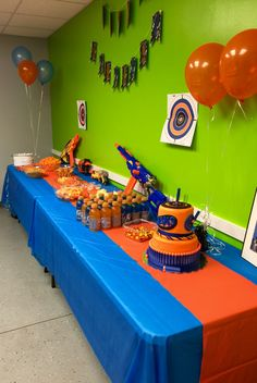 Nerf Party Food and Cake Table.
