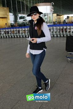 Kareena Kapoor Khan snapped at Mumbai International Airport